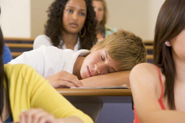 cansado-de-fazer-curso-de-ingles-presencial-escola-idiomas