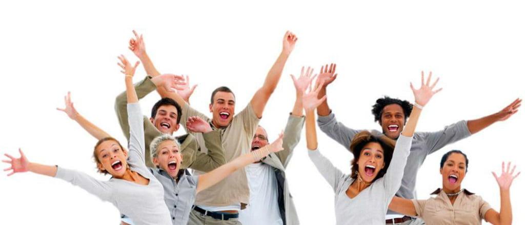 pessoas-felizes-apos-aula-de-ingles